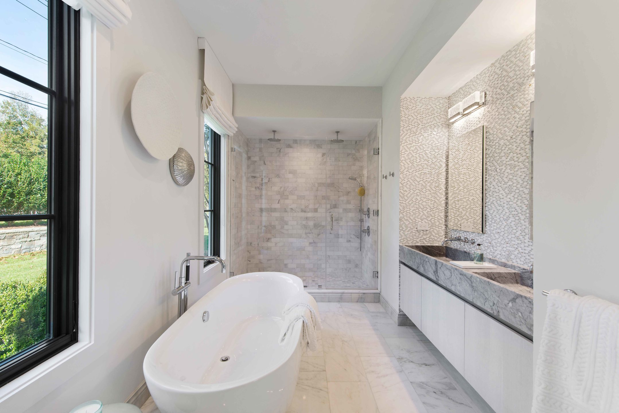 Nicole-Fuller-Interior-Designer-east-hampton-modern-bohemian-beach-house-bathroom