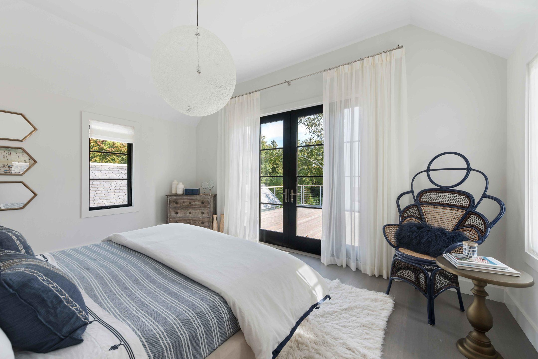 Nicole-Fuller-Interior-Designer-east-hampton-modern-bohemian-beach-house-bedroom