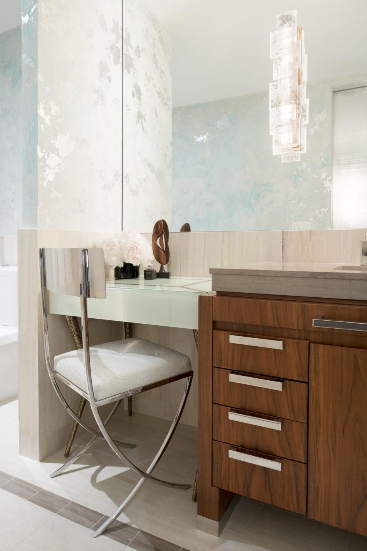 Nicole-Fuller-Interior-Designer-lower-5th-ave-pied-bathroom-vanity-mirror-12