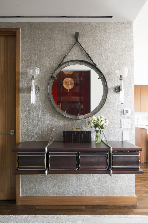 Nicole-Fuller-Interior-Designer-lower-5th-ave-pied-hallway-mirror-3