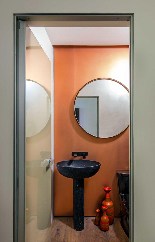 Nicole-Fuller-Interior-Designer-soho-residence-bathroom-1