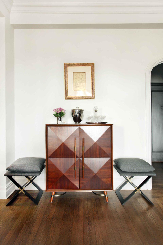 Nicole-Fuller-Interior-Designer-west-village-pied-chairs-bar-1