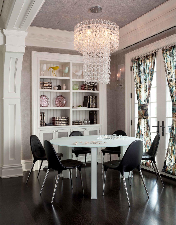 Nicole-Fuller-Interiors-Dutchess-Suffern-Estate-dining-table-giogali-chandelier-modern-black-chairs-new-york-interior-designer