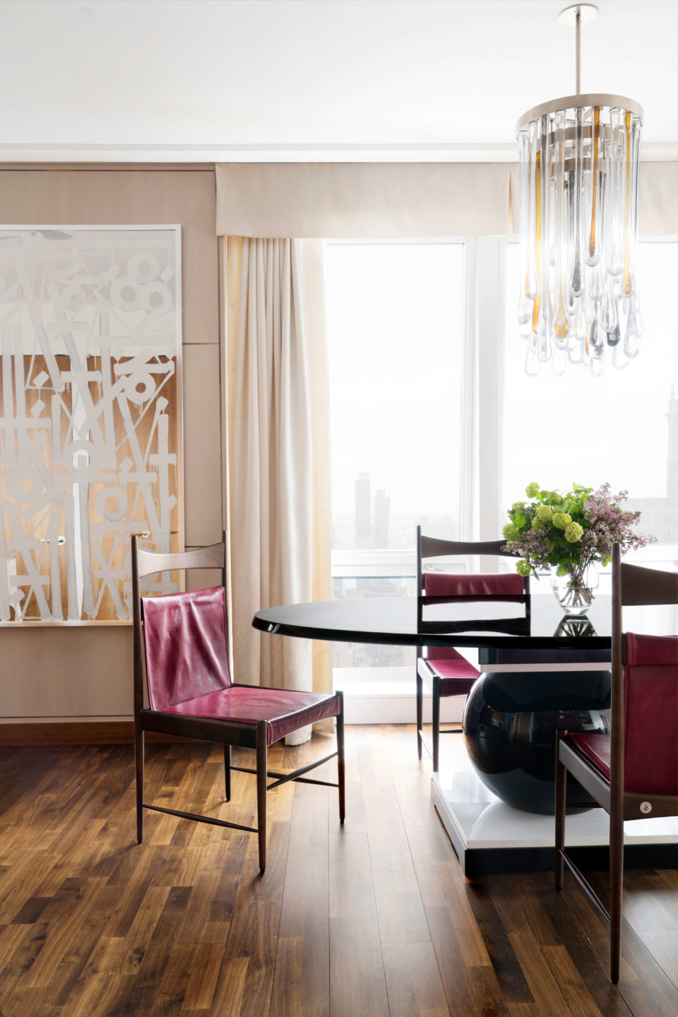 purple-chairs-dining-room-5th-ave